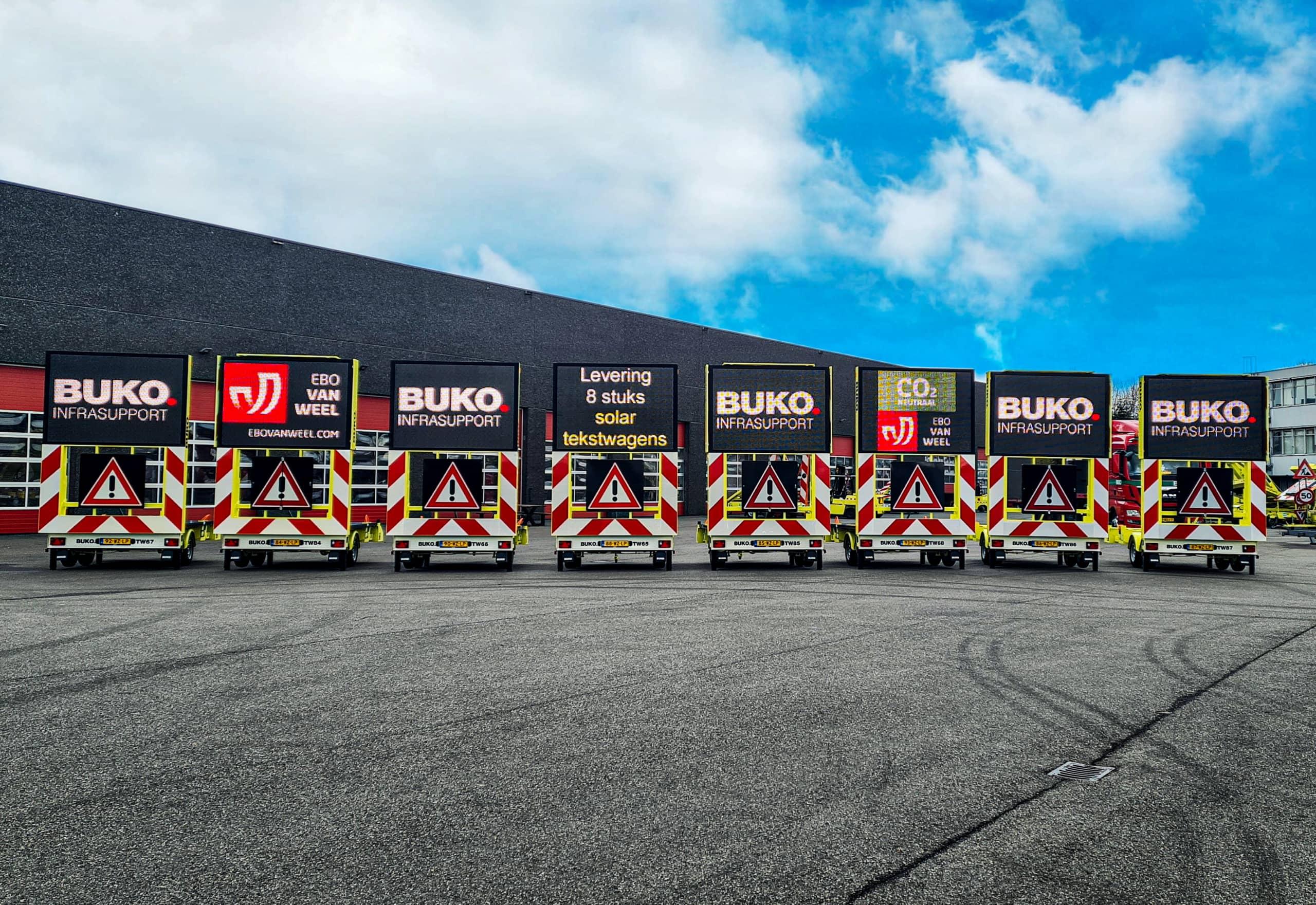 Acht nieuwe tekstwagens opgeleverd